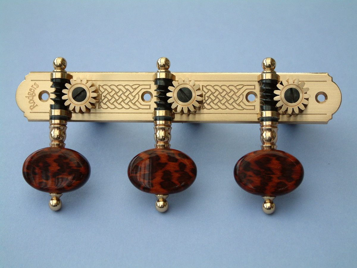 L315 Brass with oval Snakewood