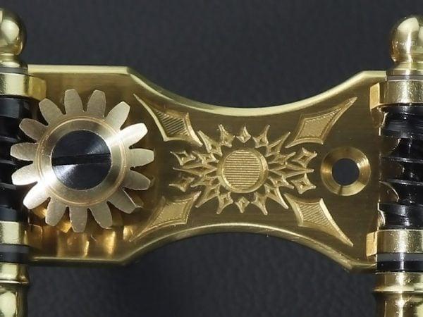 L418 Brass Dark Mop