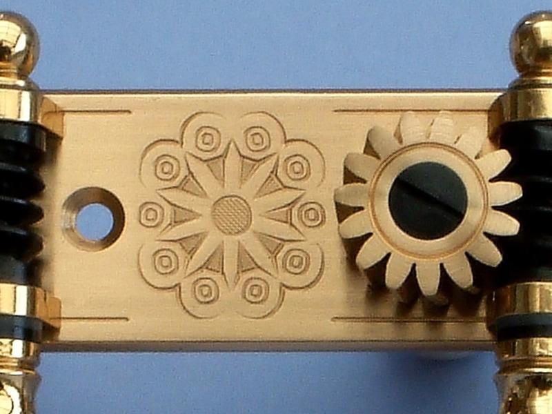 L520 Brass Light MOP